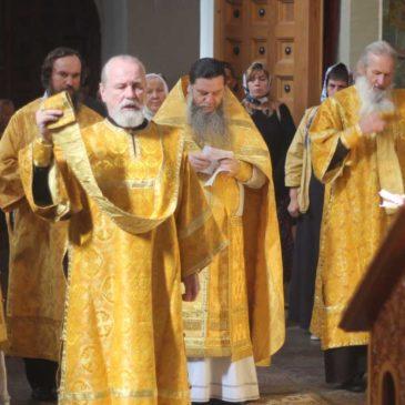 В 14-ю неделю по Пятидесятнице, иеромонах Антоний совершил Божественную Литургию