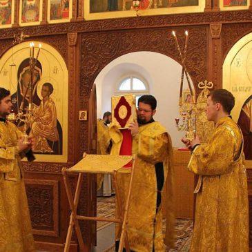 Митрополит Лев совершил Божественную Литургию в Свято-Юрьевом монастыре
