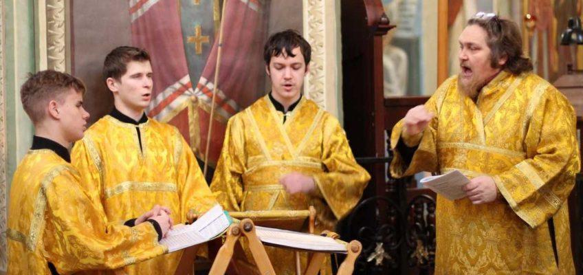 В день памяти преподобного Михаила Клопского митрополит Лев совершил Божественную литургию в Иверском монастыре
