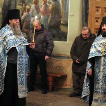 В неделю о мытаре и фарисее иеромонах Антоний совершил Божественную Литургию