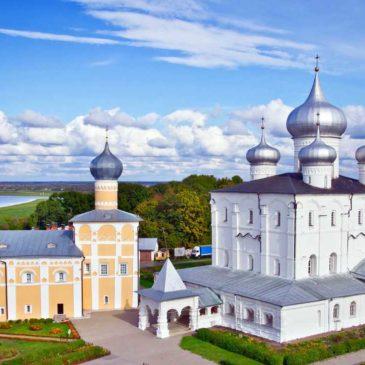 В день 70-летия со дня рождения митрополит Лев совершил Литургию в Варлаамо-Хутынском монастыре