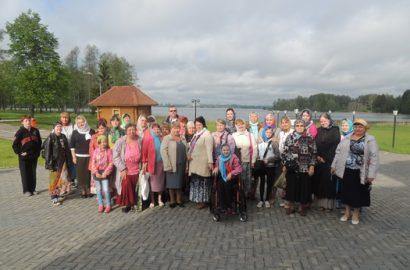 Дети из реабилитационного центра посетили Иверский монастырь