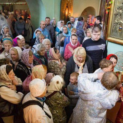 17 мая 2016 года, епископ Арсений совершил Божественную литургию в Старой Руссе.