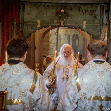 Архиереи Новгородской епархии возглавили праздничные богослужения в день Вознесения Господня