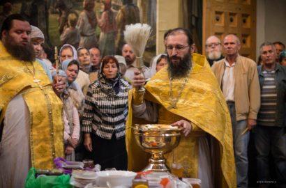 Иеромонах Антоний возглавил праздничную литургию в Иверском монастыре