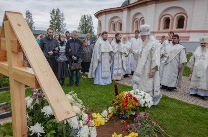 Митрополит Лев совершил Литургию в Иверском монастыре и чин монашеского отпевания