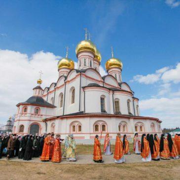 Духовенство митрополии совершило общее праздничное богослужение в Иверском монастыре