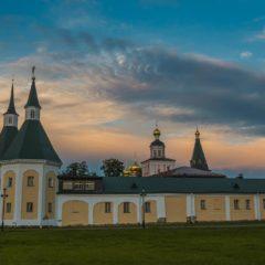 Монастырские рассветы и закаты