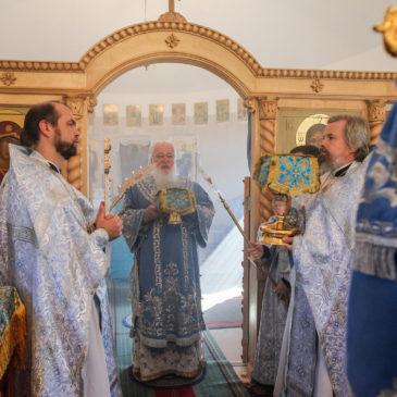 Митрополит Лев совершил Литургию в деревне Рышево