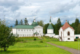 Svyatoozerskaya Valday Iversky Bogoroditsky monastery. The Church of Iakov Borovichsky and the Tomb Panaeva with a chapel